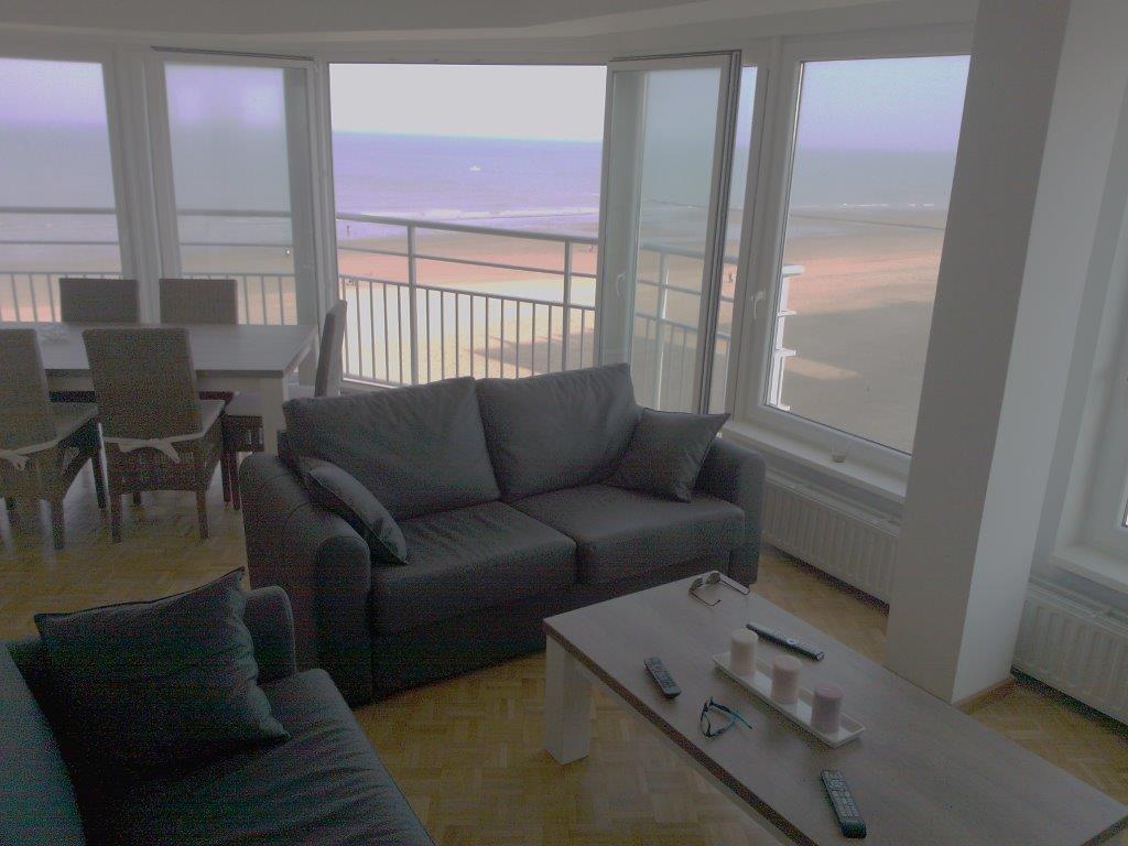 Appartement louer avec vue sur mer situ ostende for Canape ostende but
